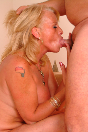 Mature blonde sucking and fucking hard