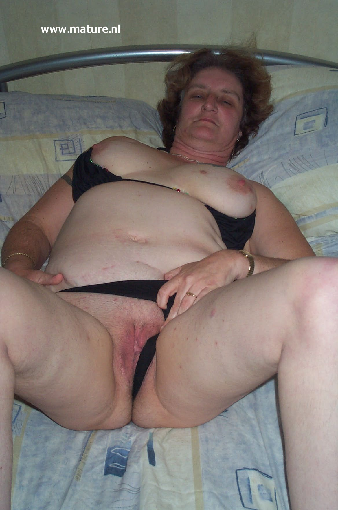 Amateur Short Chubby Mature