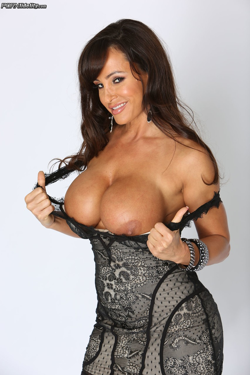 lisa ann nude pictures
