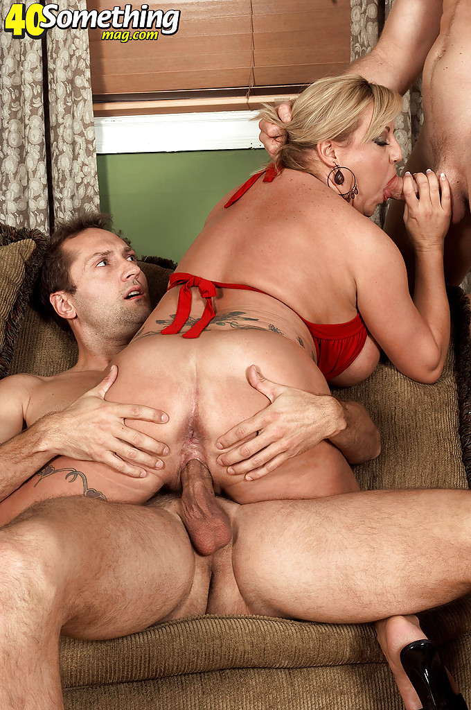 Threesome Big Tits Big Ass